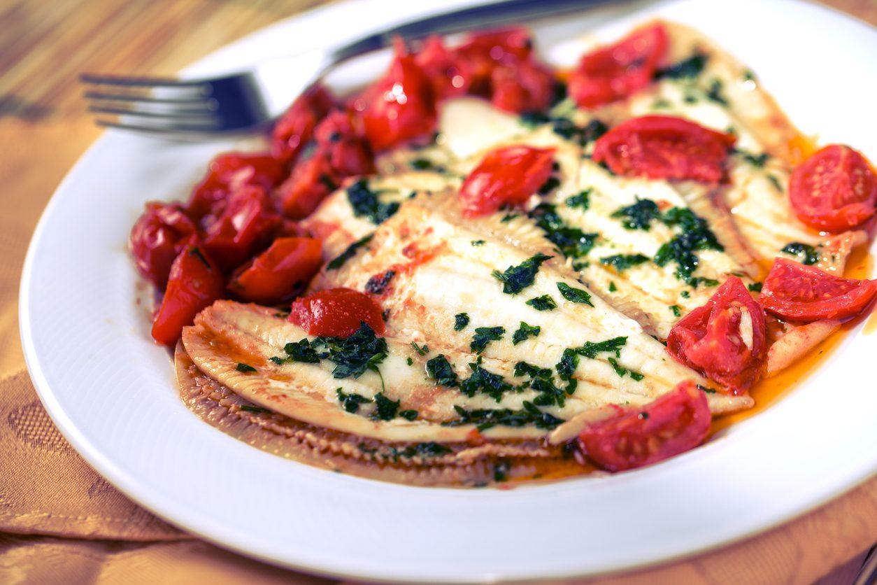 Sogliola con pomodorini: la ricetta del secondo semplice e leggero