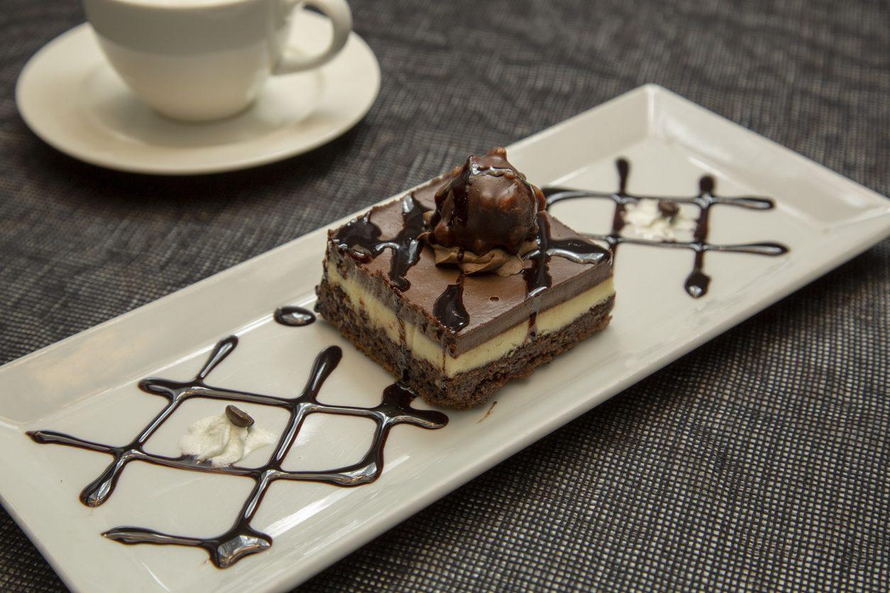 Parfait al cioccolato: la ricetta del dolce al cucchiaio spumoso e goloso