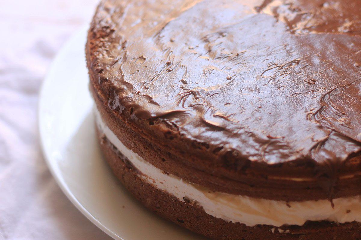 Torta alla panna e nutella: la ricetta del dolce cremoso e goloso
