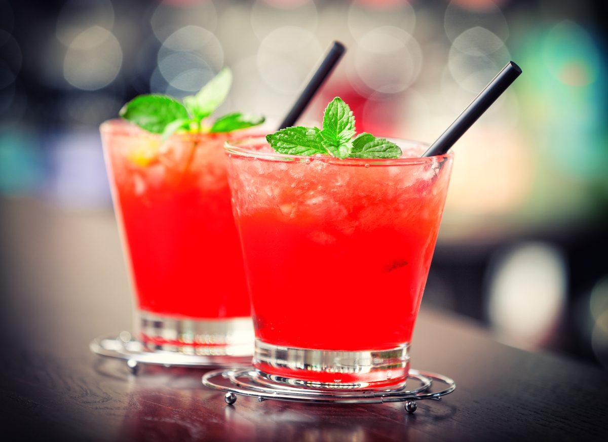 Cocktail analcolico alla frutta: la ricetta dell'aperitivo esotico e senza alcol