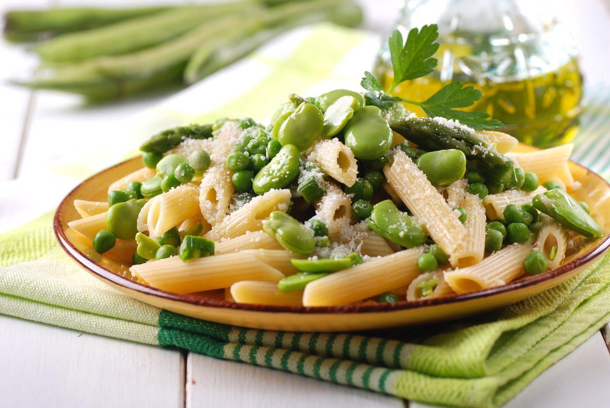Pasta con asparagi e fave: la ricetta del primo piatto all'insegna della semplicità