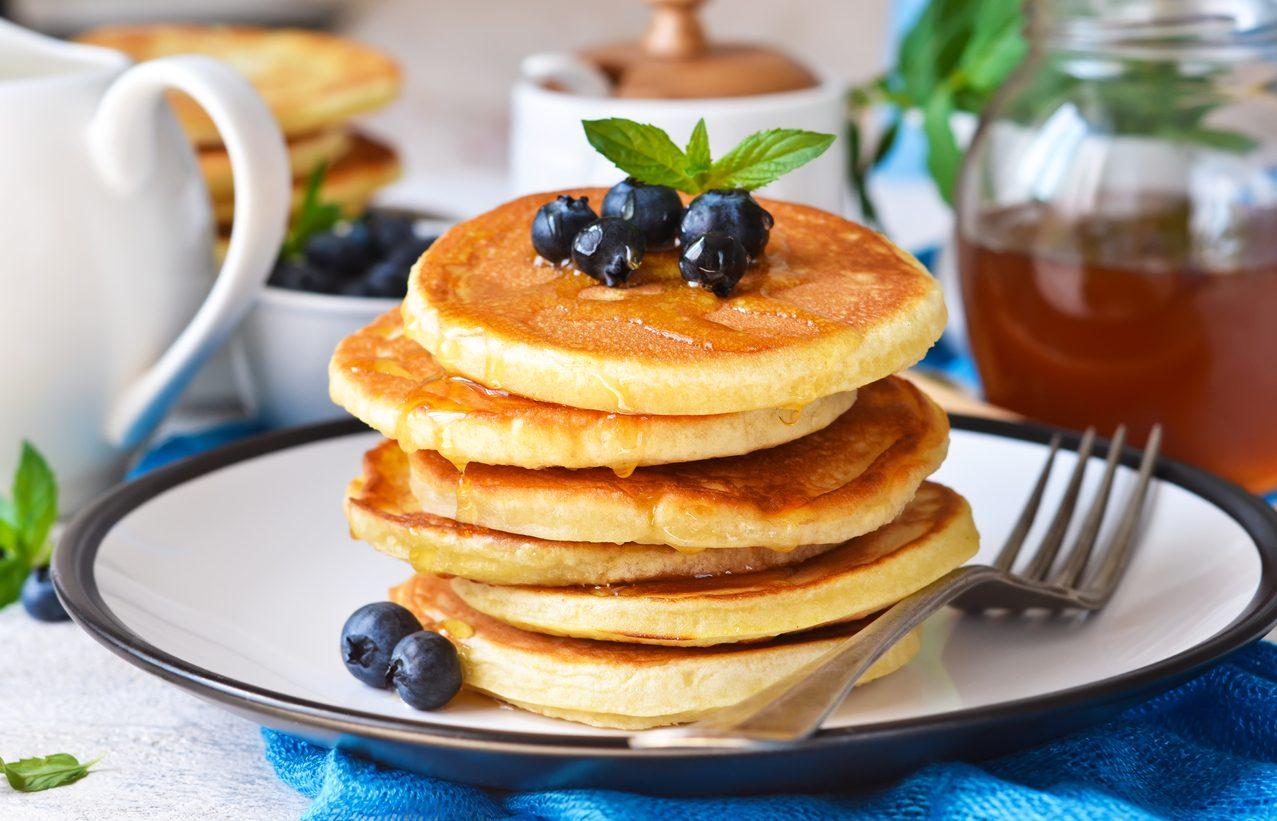 Pancakes senza burro: la ricetta per prepararli soffici e leggeri in pochi minuti