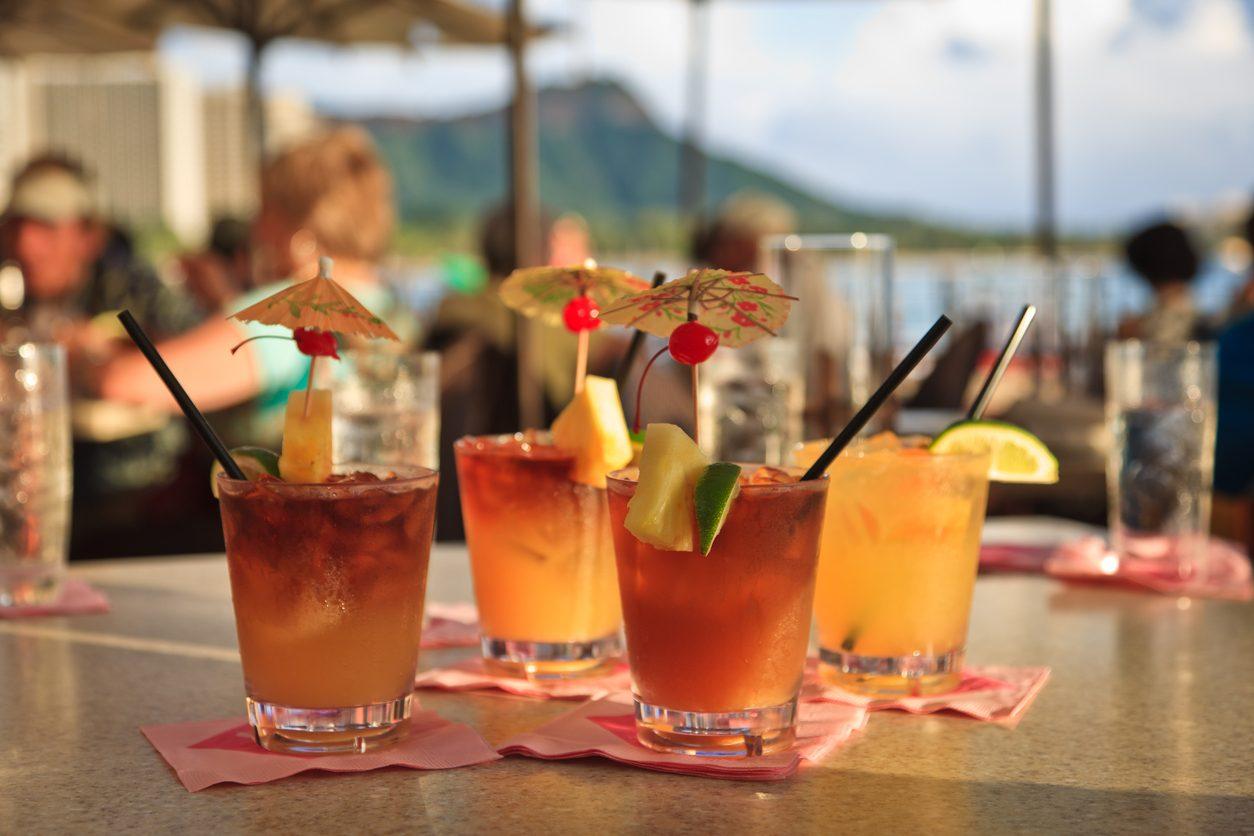 Mai Tai: la ricetta del cocktail esotico per gli aperitivi estivi