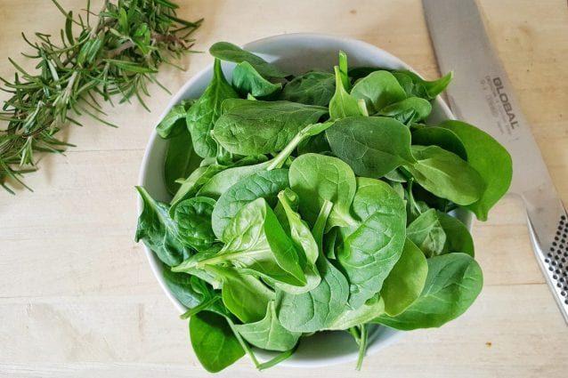 alimenti anti infiammatori, spinaci