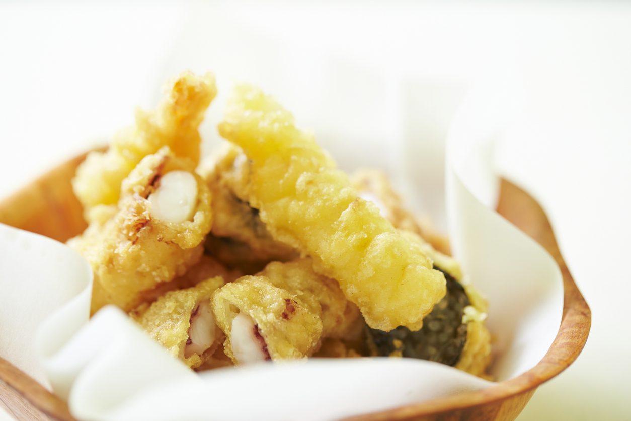 Tempura di calamari: la ricetta della frittura di pesce leggera e croccante