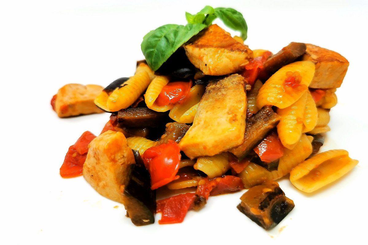 Gnocchetti sardi pesce spada e melanzane: la ricetta del piatto tipico