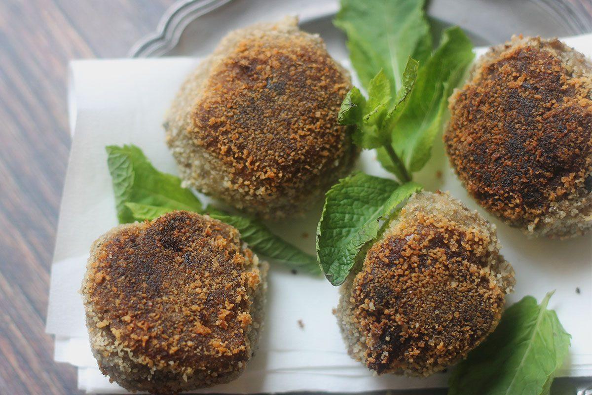 Polpette di melanzane e tonno: la ricetta morbida e veloce da preparare
