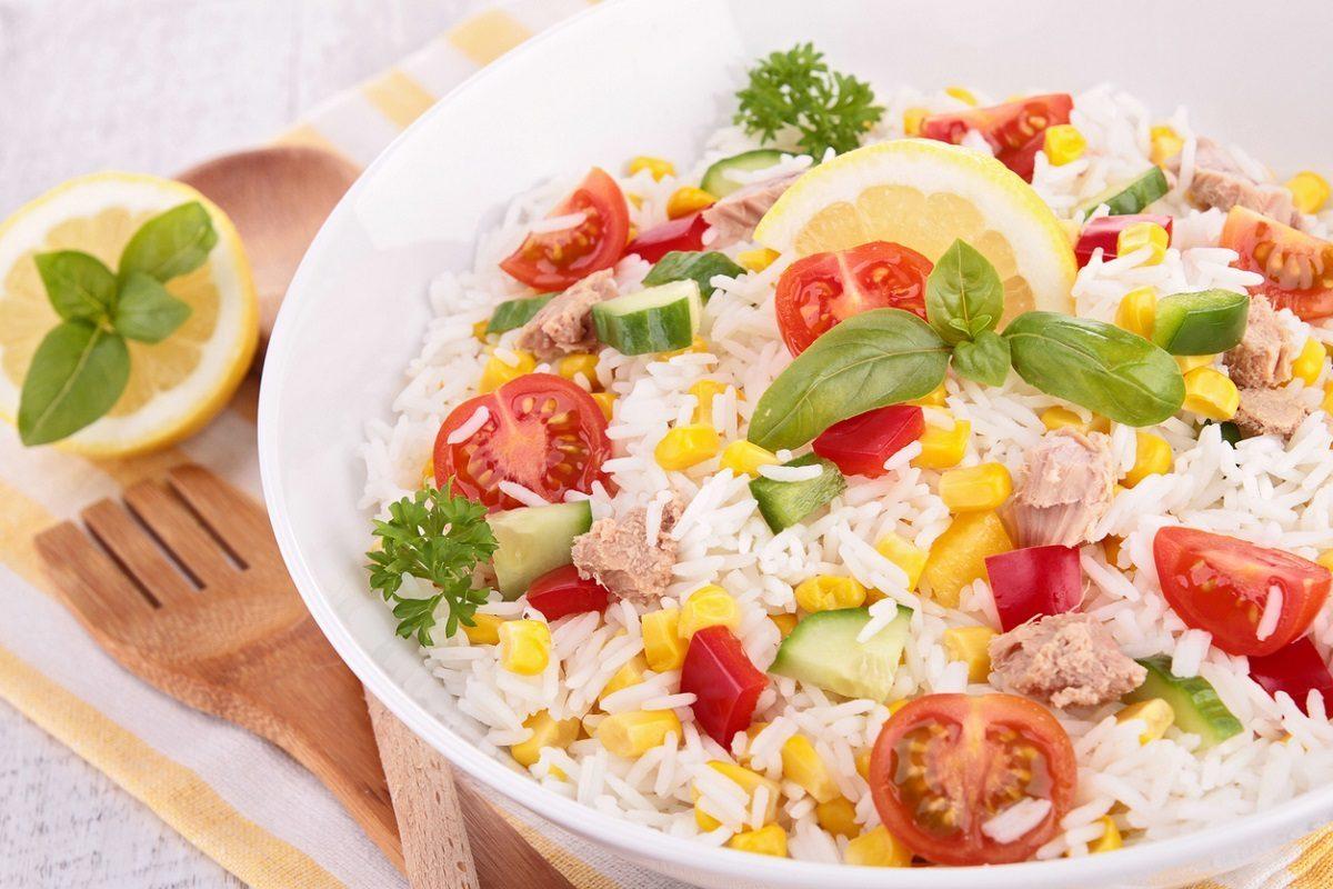 12 insalate di riso facili e sfiziose per l'estate