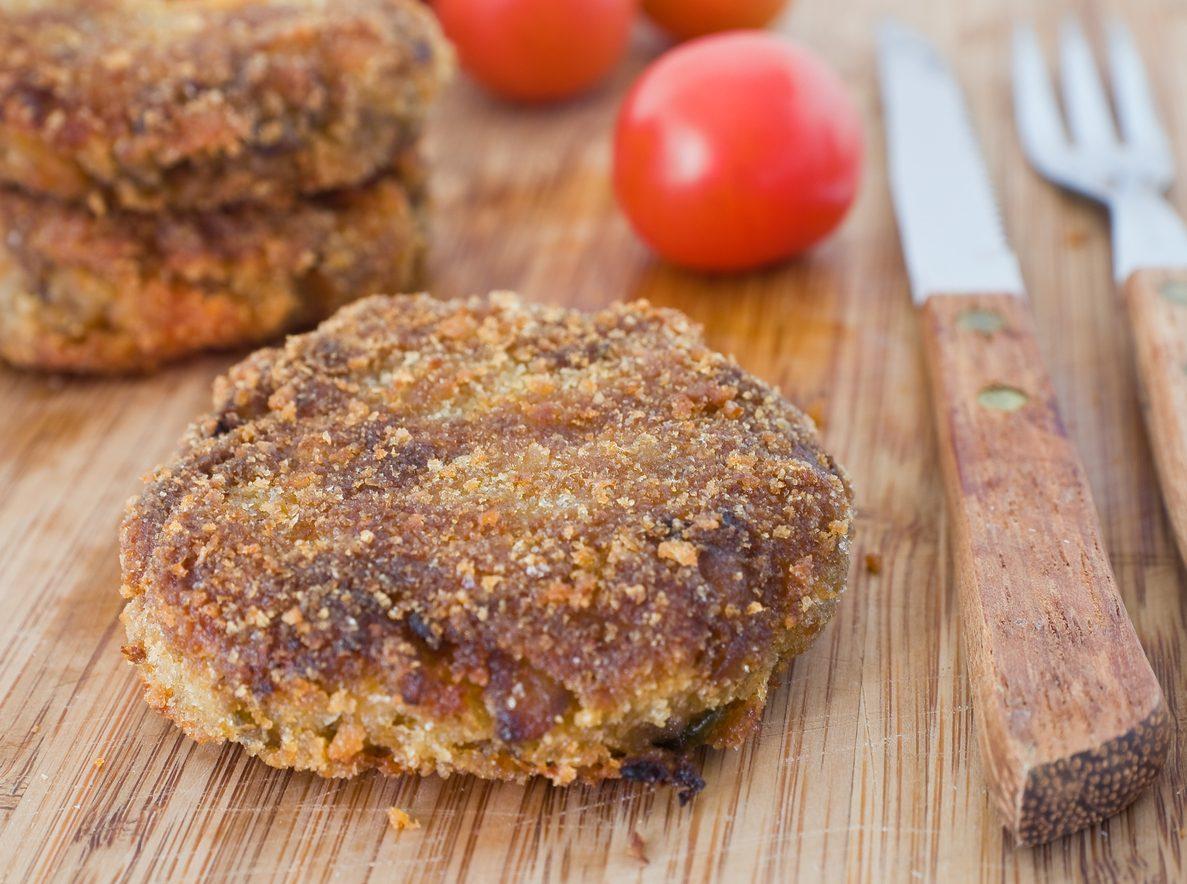Polpette di melanzane e patate: la ricetta golosissima e facile da preparare