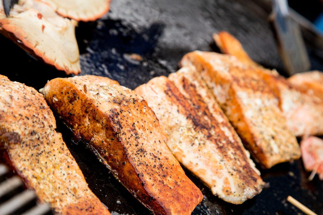 Salmone alla griglia: la ricetta del salmone alla piastra