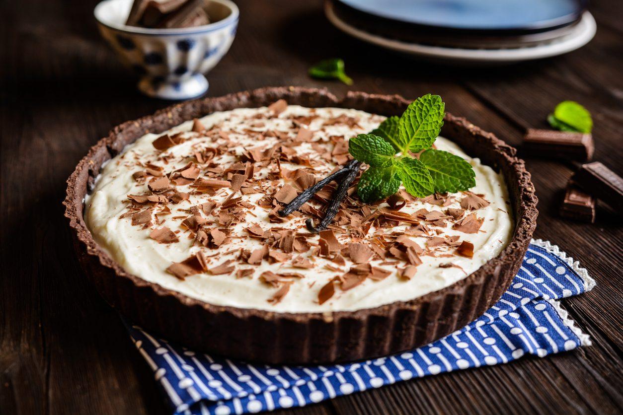 Torta fredda alla vaniglia e al cioccolato: la ricetta del dolce fresco per l'estate