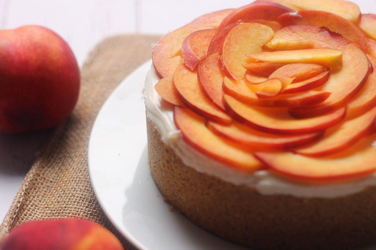 Cheesecake alle pesche: la ricetta senza cottura