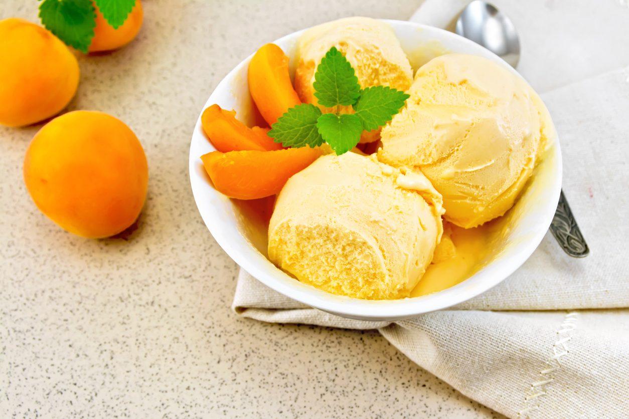 Sorbetto di albicocche: la ricetta per un dessert fresco e genuino