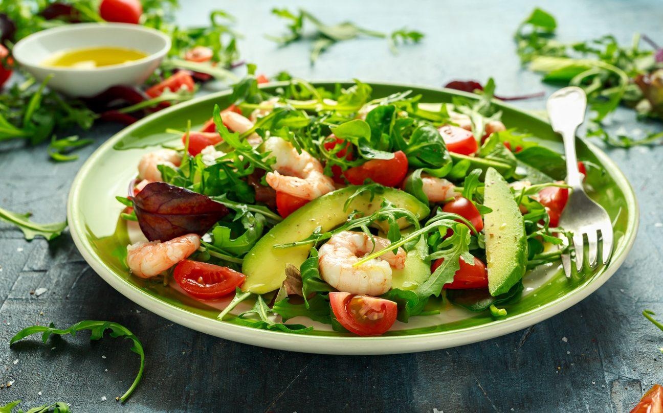 Insalata con avocado: 9 ricette fresche e leggere tutte da provare
