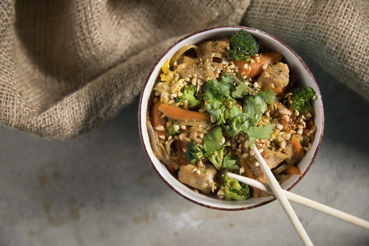 Pad Thai: la ricetta per cucinare i famosi noodles dello street food thailandese