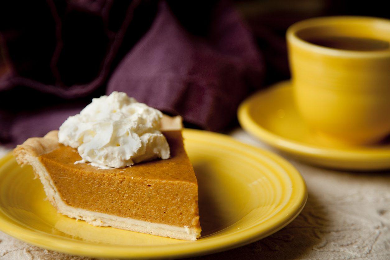 Torta fredda al caffè: la ricetta fresca, veloce e senza cottura