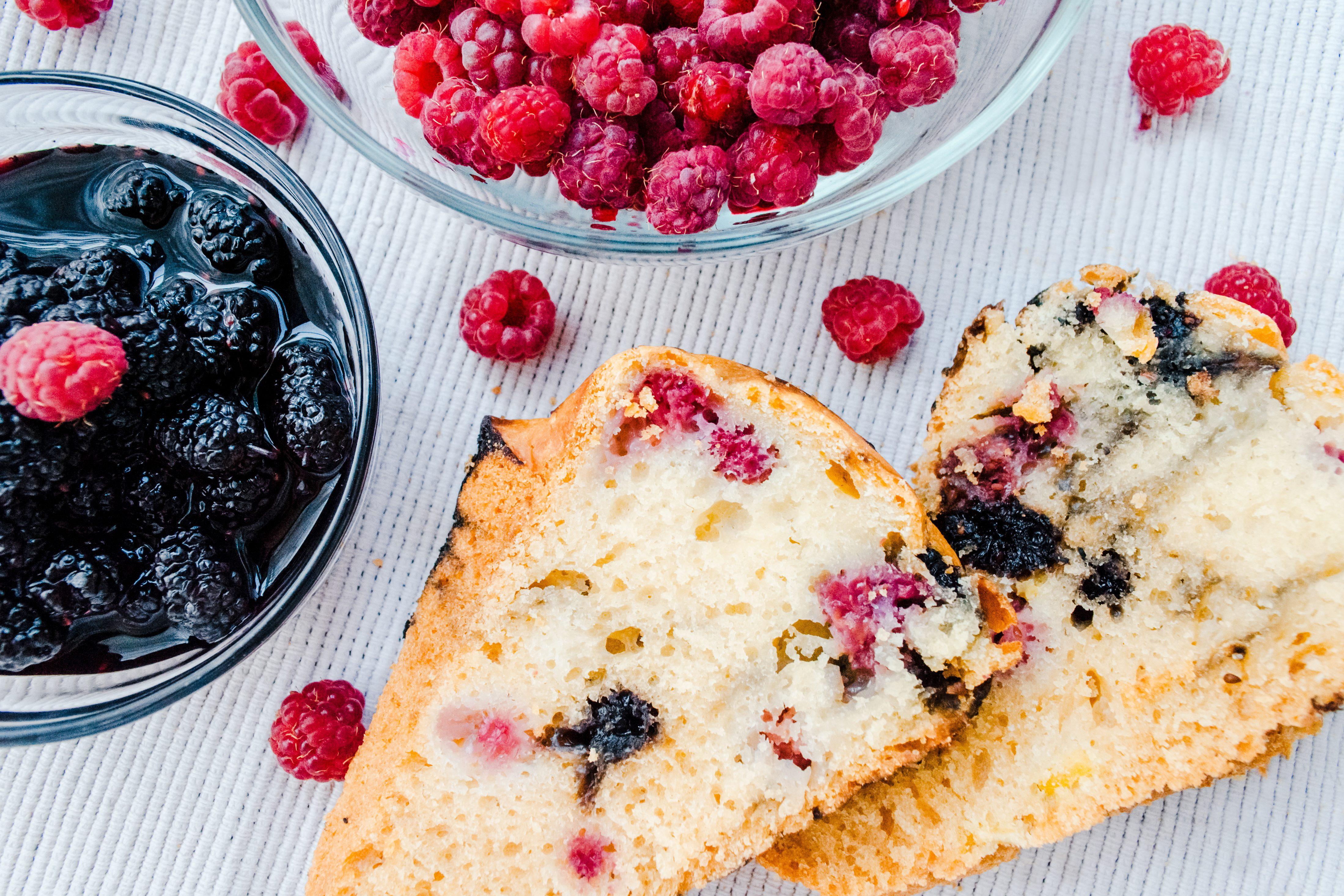 Torta di more: la ricetta del dolce estivo soffice e genuino