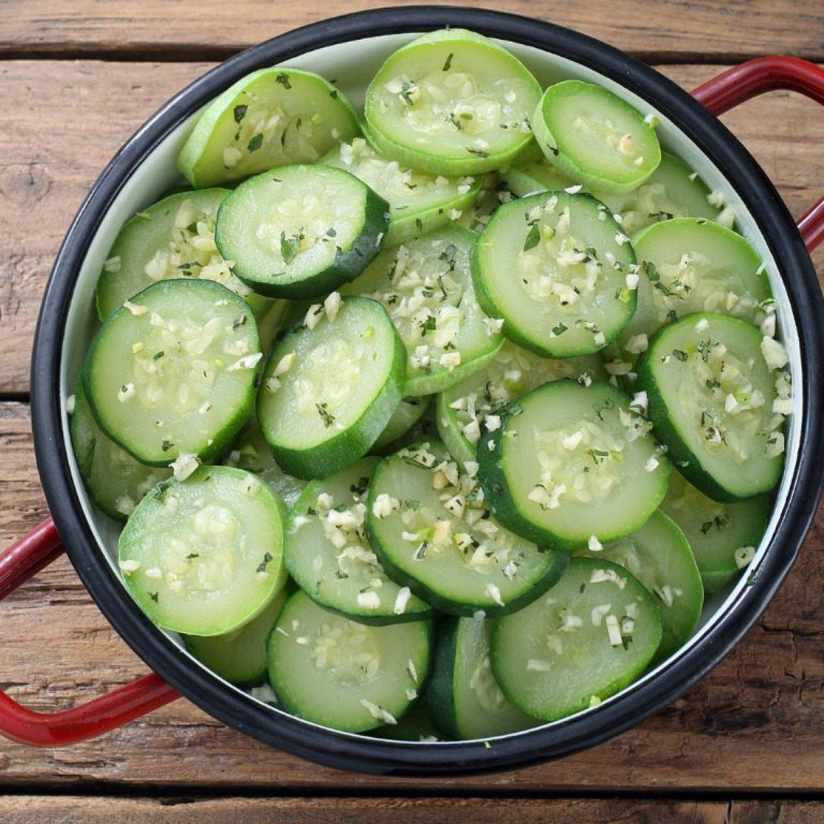 Ricetta Zucchine Bollite.Zucchine Lesse La Ricetta Semplice Per Il Contorno Leggero E Salutare