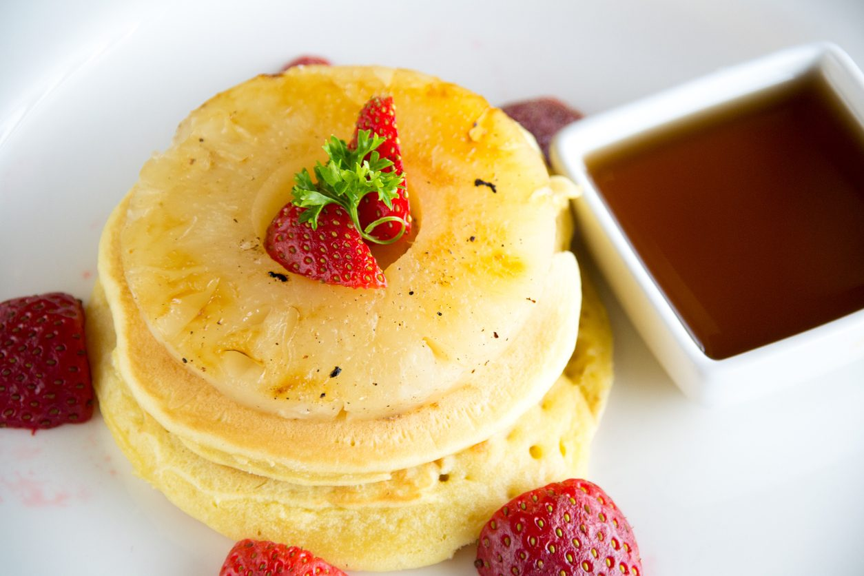 Frittelle di ananas: la ricetta del dolce in pastella semplice e goloso