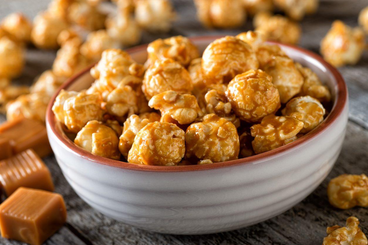 Pop corn al caramello: la ricetta per prepararlo buono come al cinema