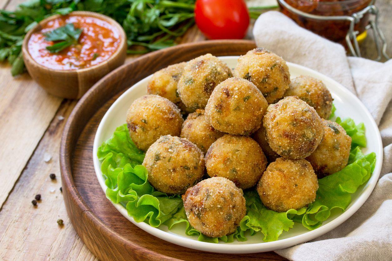 Polpette di fagioli e patate: la ricetta del secondo piatto vegan al forno