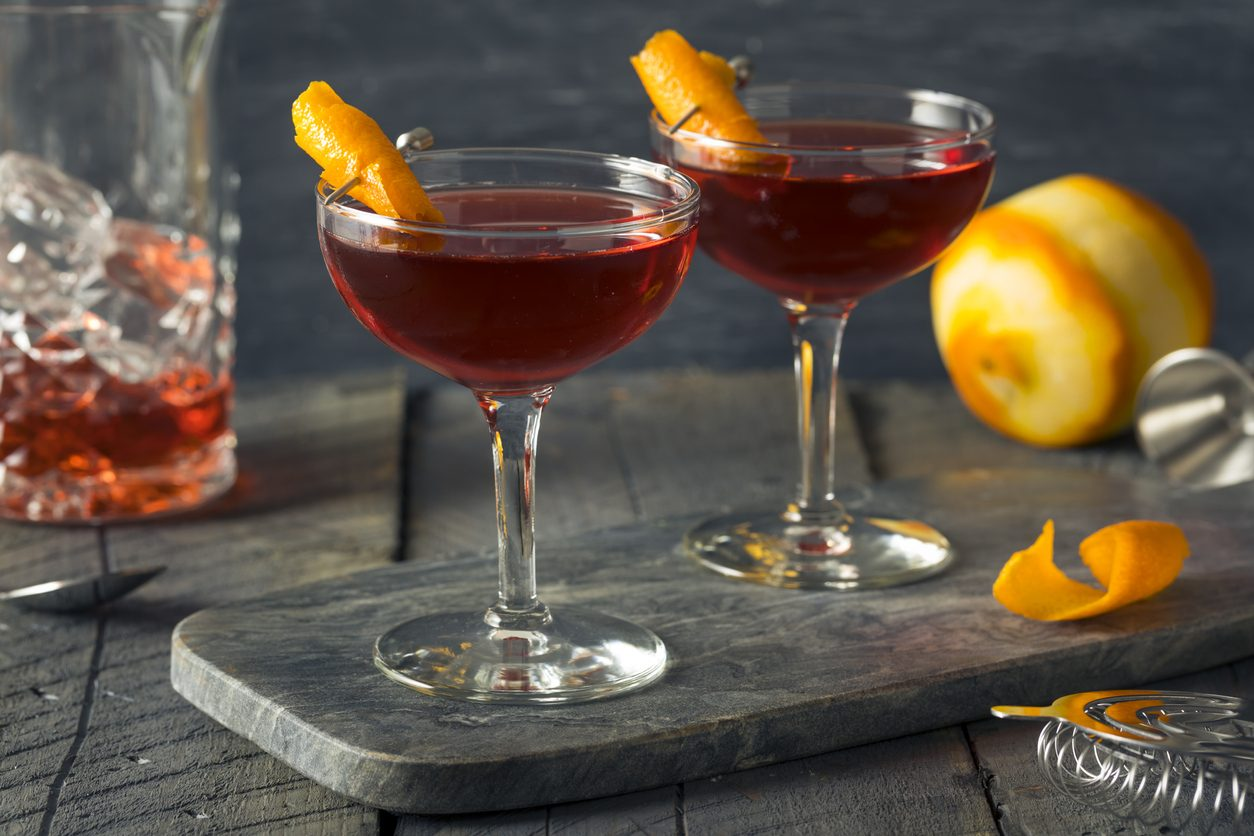 Fiero e Tonic: come preparare il cocktail con Martini Fiero e acqua tonica