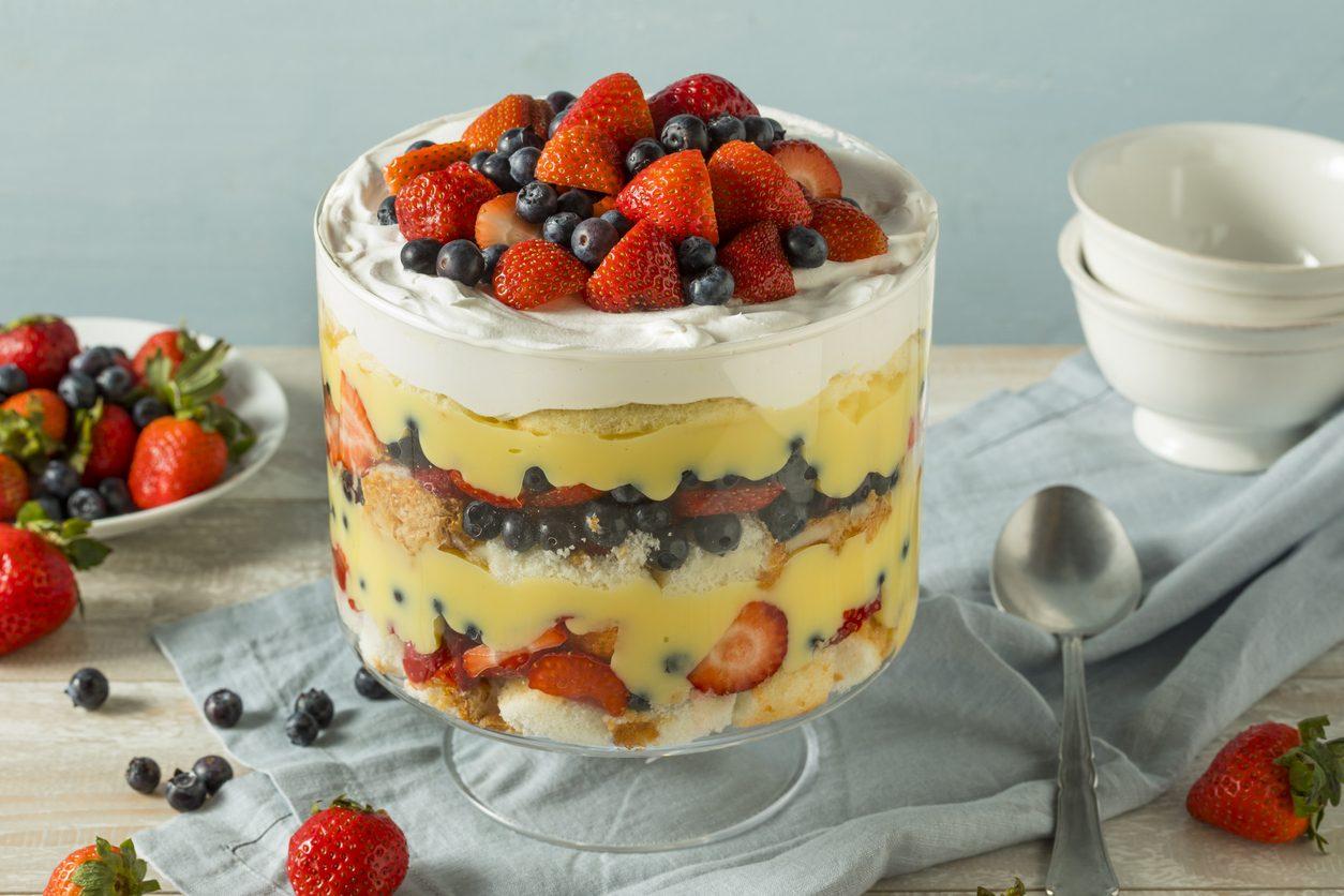 Trifle: la ricetta del dolce al cucchiaio a strati di origine inglese