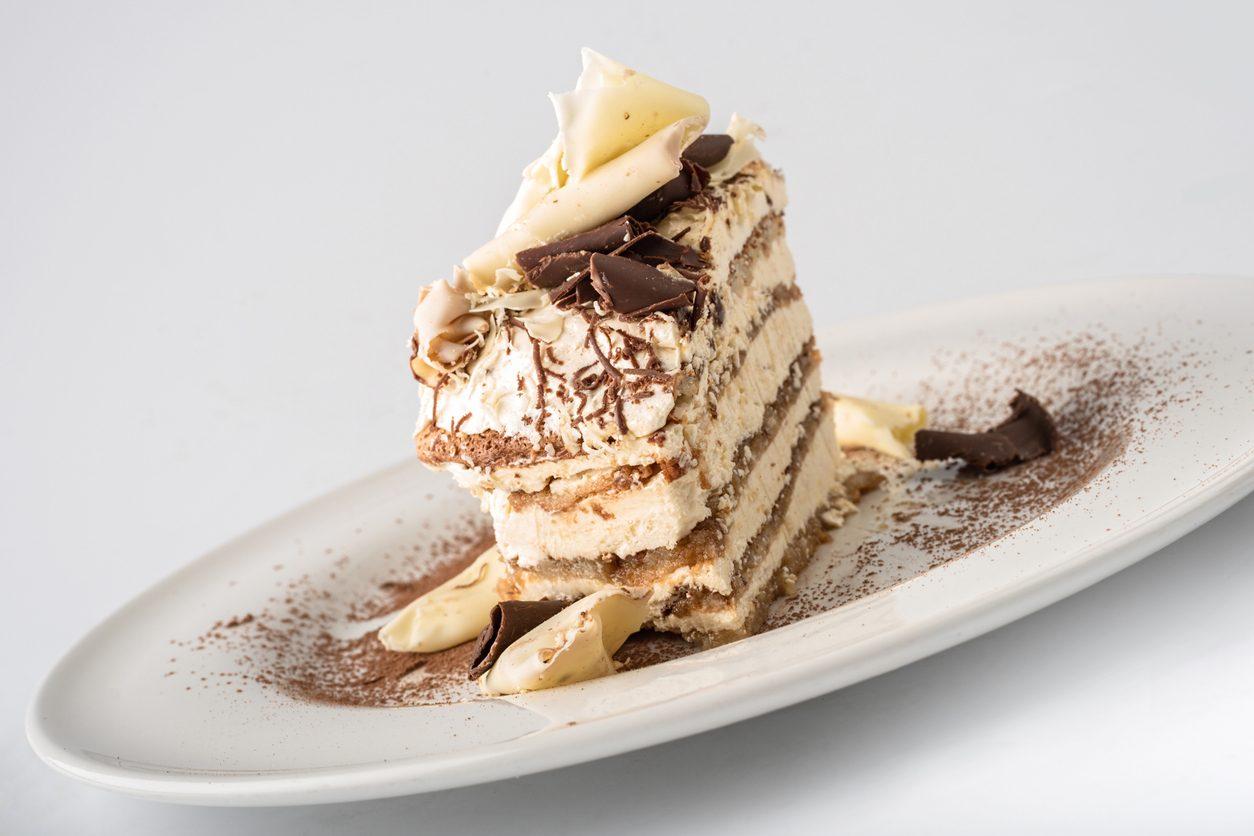 Torta gelato tiramisù: la ricetta del dolce estivo senza cottura