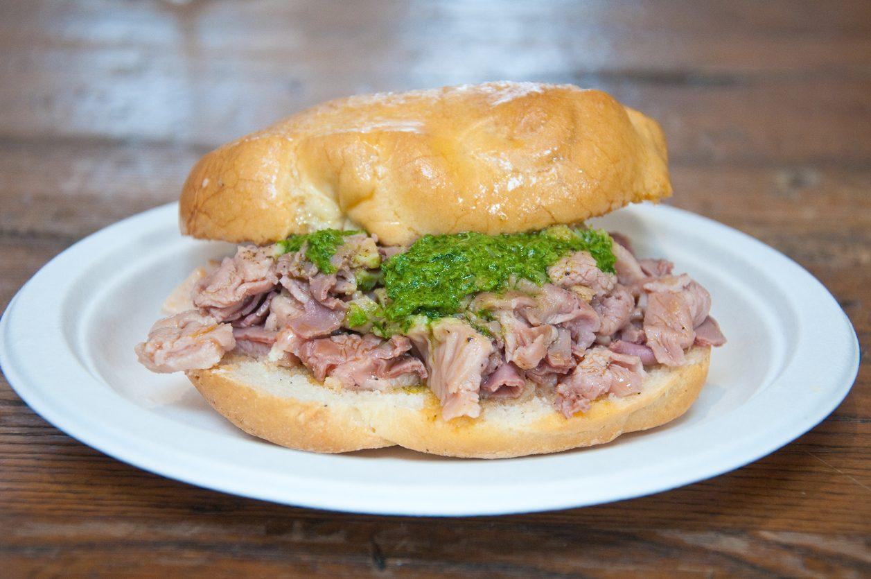 Lampredotto: cos'è e come si prepara il famoso street food toscano