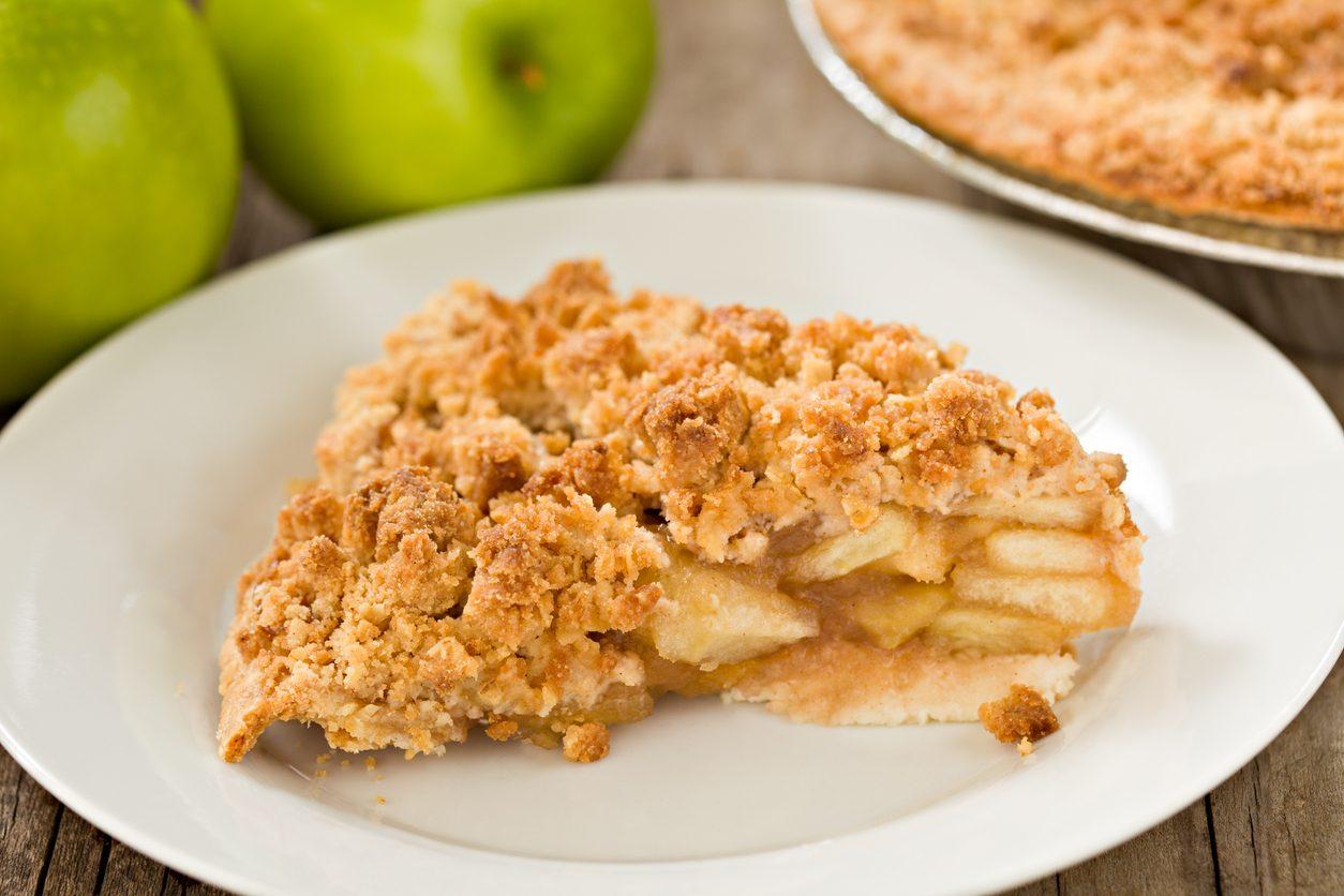 Sbriciolata di mele: la ricetta della torta facile e veloce