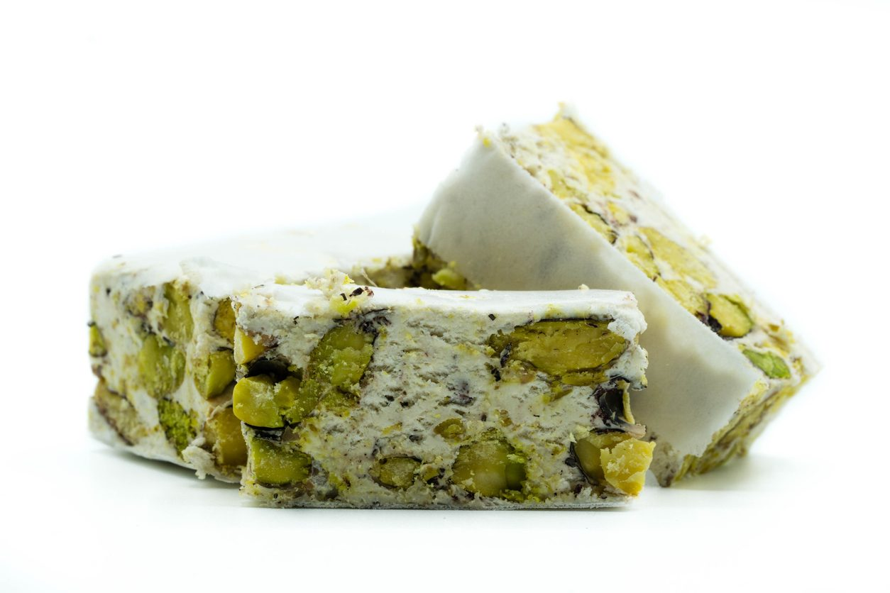 Torrone al pistacchio: la ricetta semplice e veloce per prepararlo in casa