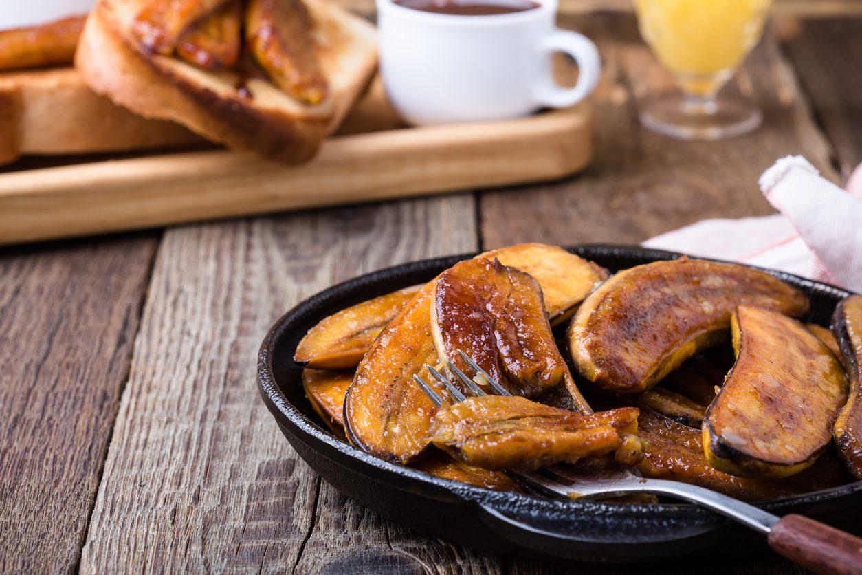 Banane caramellate: la ricetta del dessert pronto in pochi minuti