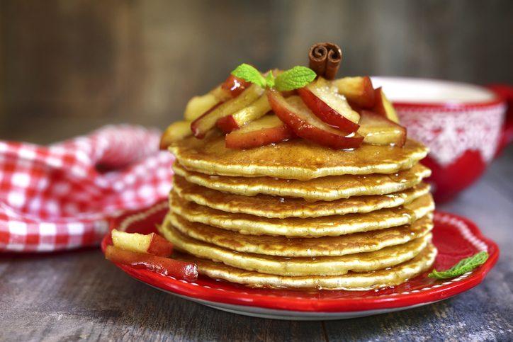 brunch, le ricette: pancake alle mele