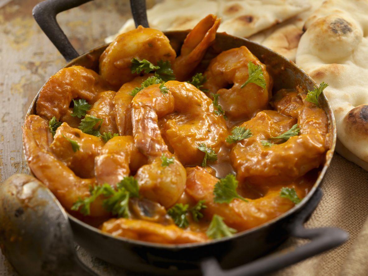 Gamberi al curry: la ricetta profumata e cremosa con latte di cocco