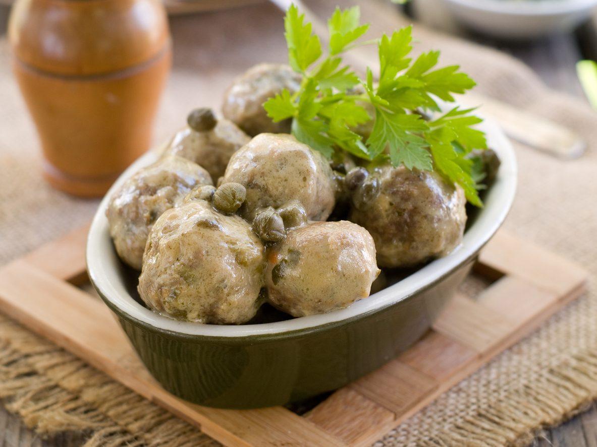 Polpette con capperi e acciughe: la ricetta del piatto semplice e appetitoso