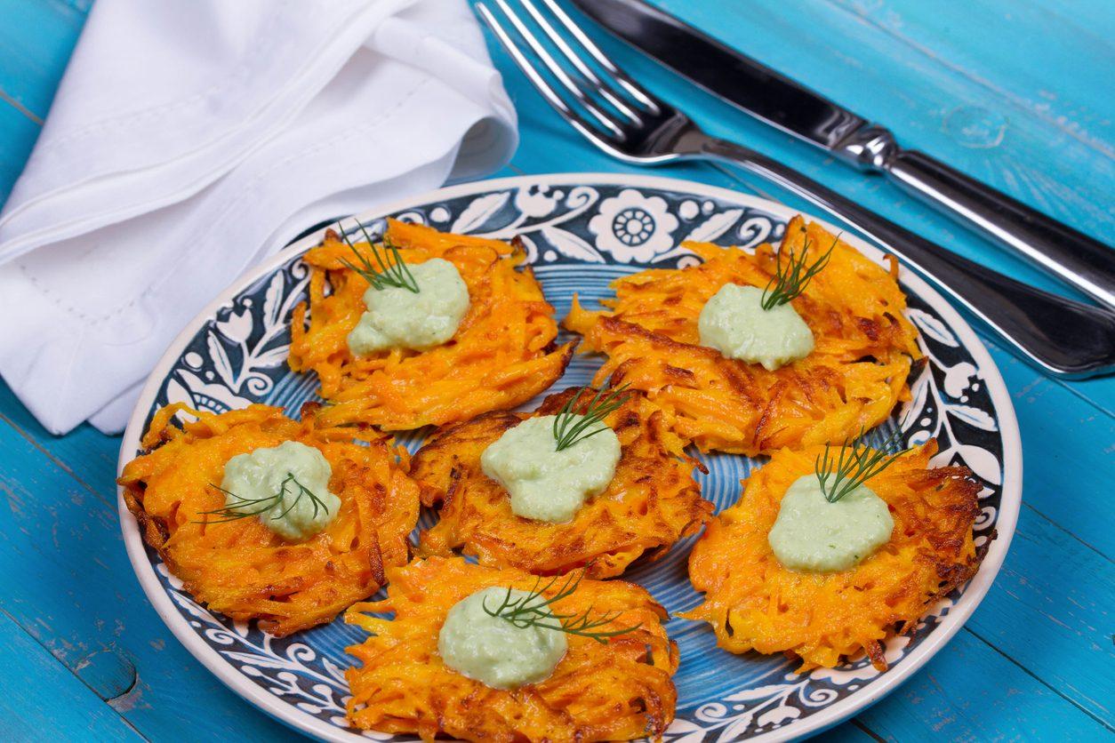 Rosti di patate, carote e cipolle: la ricetta del tipico piatto svizzero
