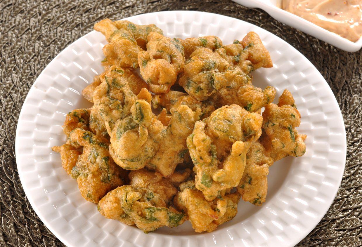 Frittelle di bietole: la ricetta dell'antipasto veloce e croccante