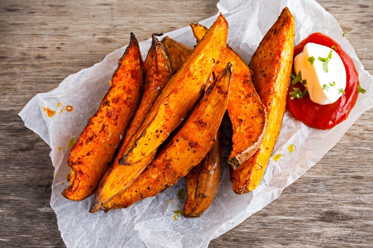 French fries alla paprika: la ricetta del contorno croccante e saporito