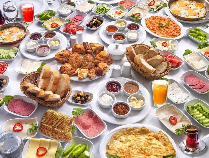 Viva il brunch: 8 ricette dolci e salate da preparare per una domenica golosa