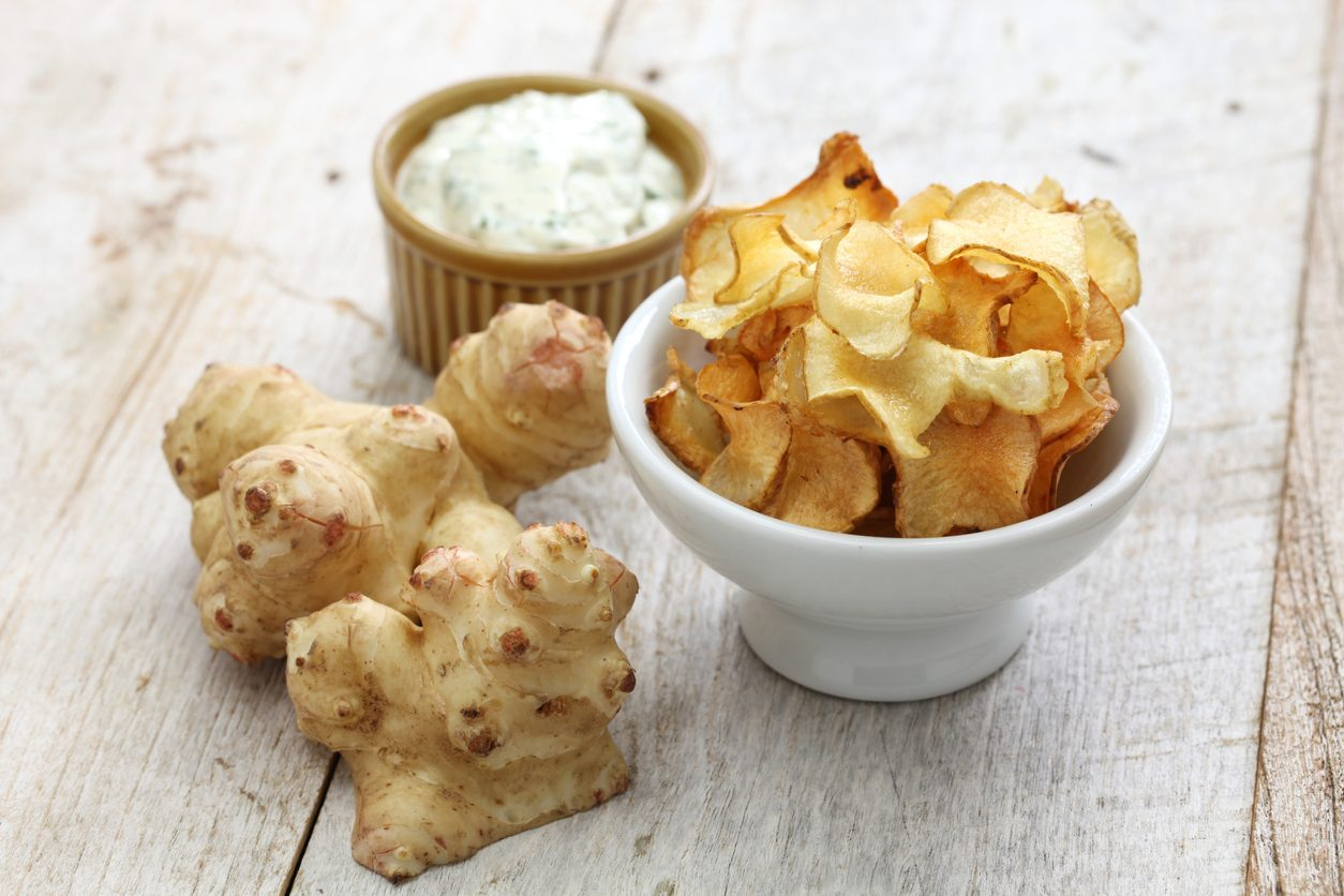 Chips di topinambur: la ricetta del contorno croccante e sfizioso