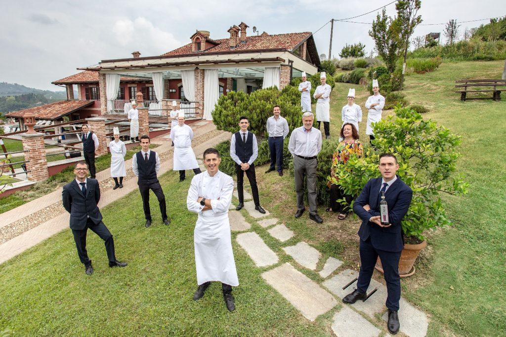 Lo staff del ristorante La Madernassa