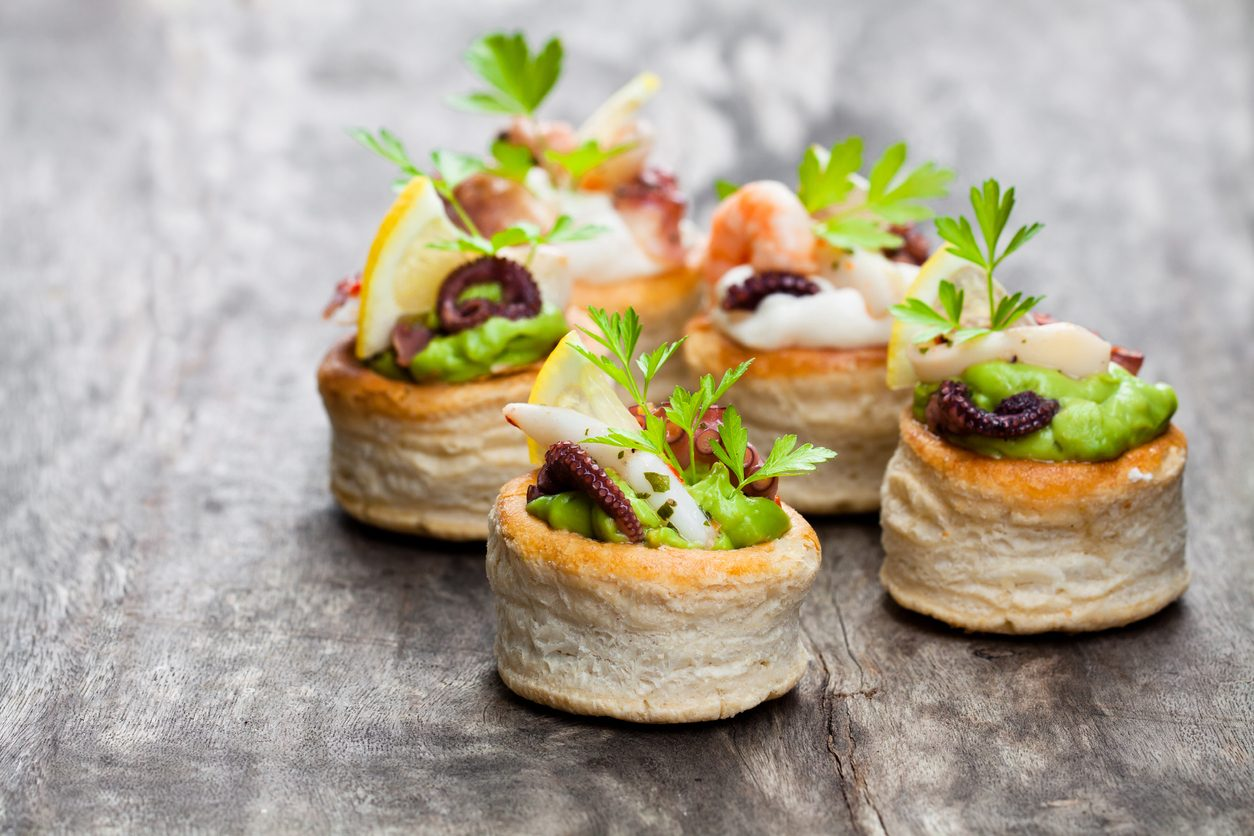 Vol-au-vents polpo e avocado: la ricetta dell'antipasto fresco pronto in pochi minuti