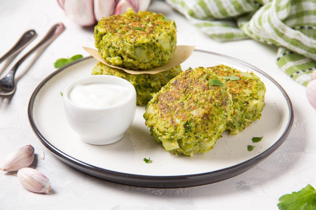 Frittelle di broccoli: la ricetta del finger food croccante e goloso