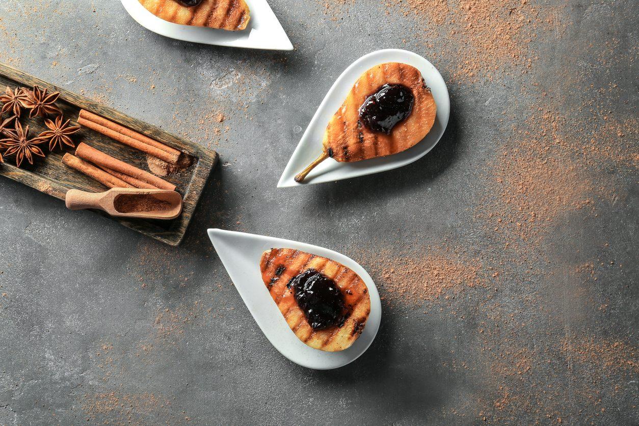 Pere alla griglia con marmellata: la ricetta del dolce velocissimo