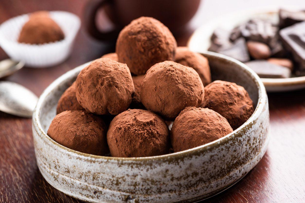 Tartufi al tiramisù: la ricetta dei dolcetti veloci e golosi senza cottura