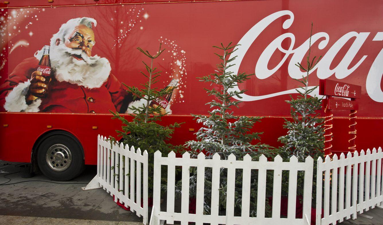 No, Coca-Cola non ha inventato Babbo Natale: ha solo divulgato il sogno