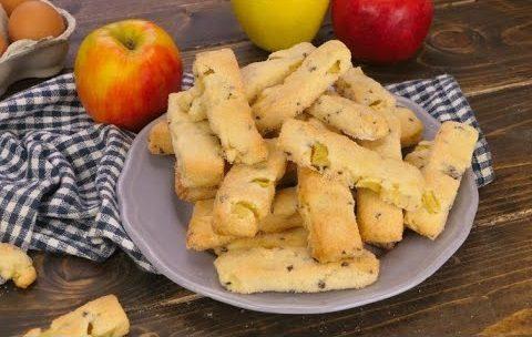 Biscotti mele e cioccolato: la ricetta dei dolcetti morbidi e veloci