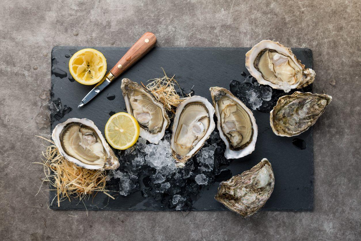 Come si mangiano le ostriche: trucchi e segreti delle regine del mare
