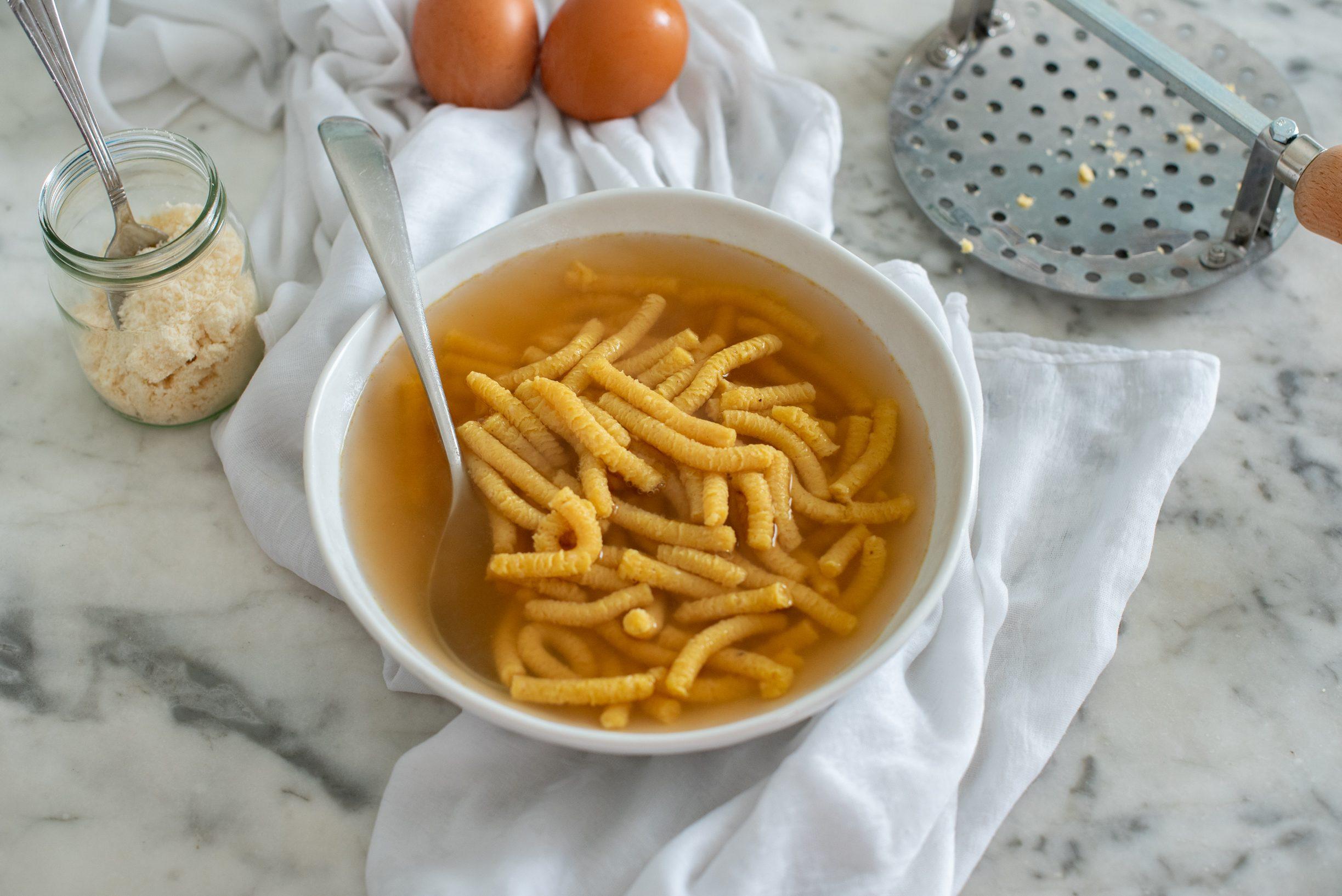 Passatelli in brodo: la ricetta originale della specialità romagnola