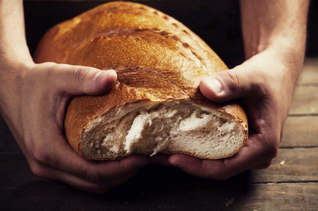Regalare il pane a chi non ne ha: il forno di ercolano che lascia l'invenduto ai poveri